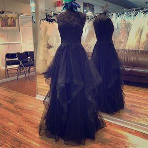 Dresses & Skirts - Fun ball gown!!